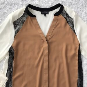 NWOT! Color block Blouse with Lace